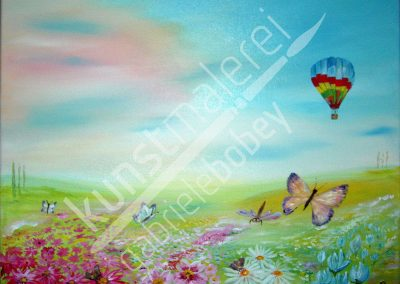 Eine Auftragsarbeit für eine Ölmalerei mit abstrakter kindlicher Landschaft und einer Wiese mit Schmetterling und Heißluftballon