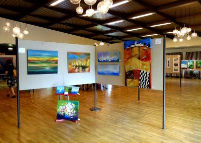 Eine Ausstellung über Acrylmalerei und Ölmalerei im Bürgerhaus in Bovenden bei Göttingen