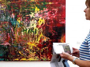 Abstrakte Malerei im Museum Barberini in Potsdam von Gerhard Richter.